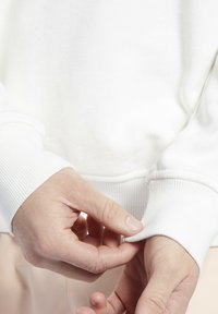 Reebok Classic - CL SR GRAPHIC CREW - Sweatshirt - chalk - 3