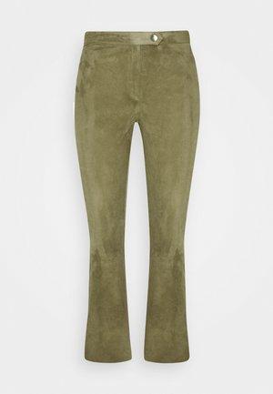 AIMEE - Spodnie skórzane - mossgreen