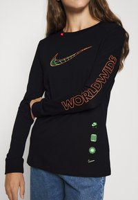 Nike Sportswear - TEE WORLDWIDE - Long sleeved top - black - 5