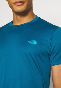 The North Face - MEN'S REAXION AMP CREW - Basic T-shirt - moroccan blue - 4