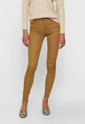JDYLARA LIFE - Jeans Skinny Fit - brown sugar