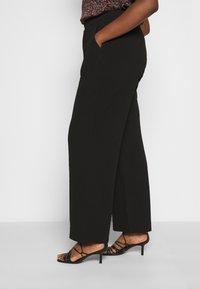 Vero Moda Curve - VMBLAIR WIDE PANT - Pantalon classique - black - 3