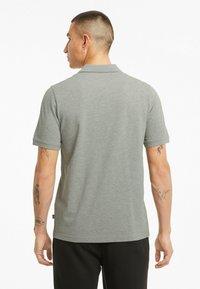 Puma - ESSENTIALS PIQUE  - Polo shirt - medium gray heather-cat - 2
