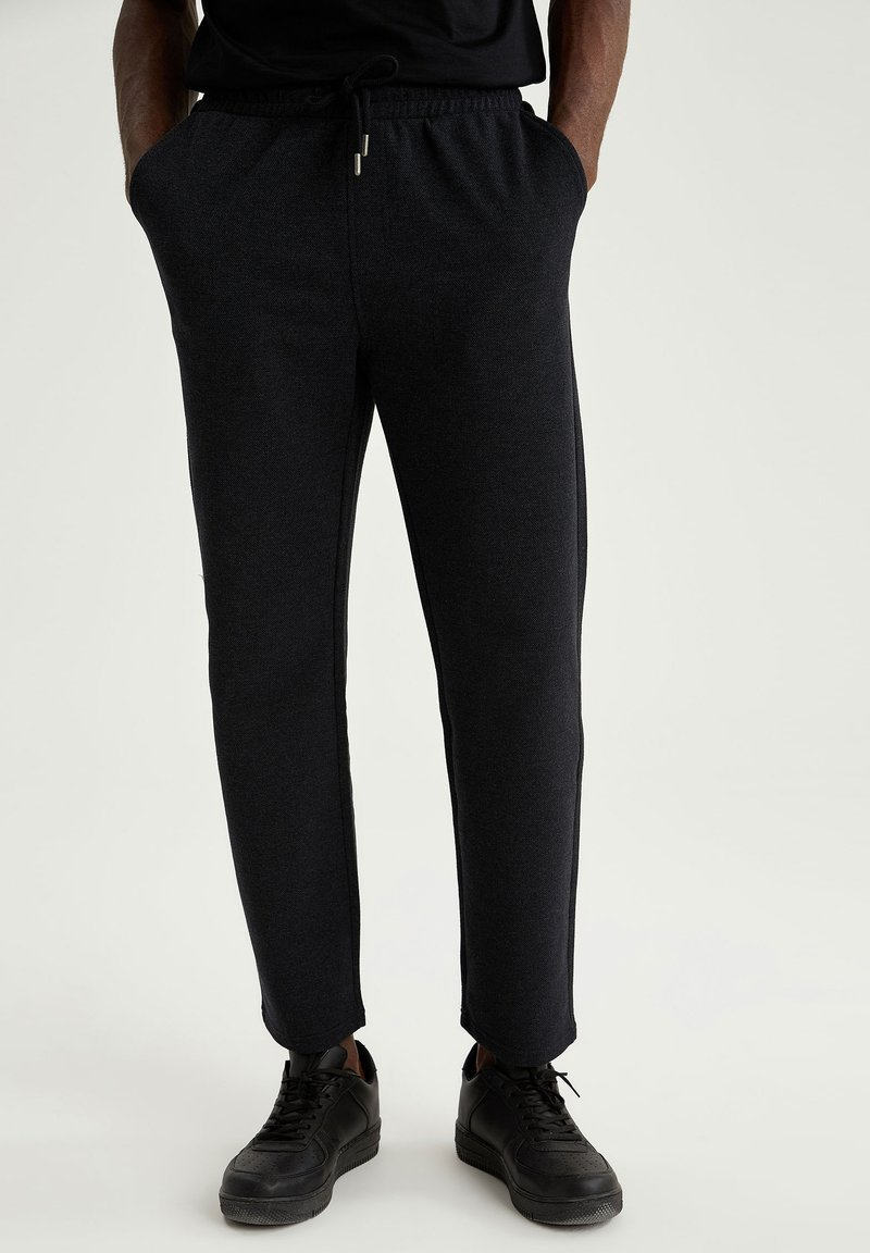 DeFacto - Tracksuit bottoms - anthracite