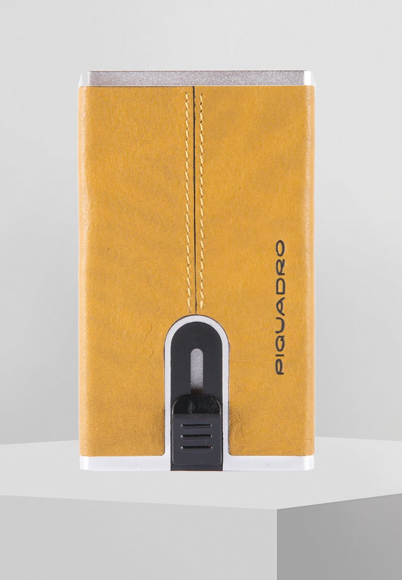 Piquadro - SQUARE - Business card holder - yellow
