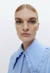 Uterqüe - Button-down blouse - blue - 5