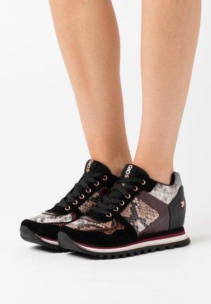 NAZRAN - Sneakers - burdeos