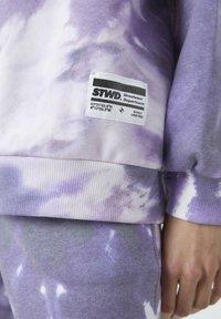 PULL&BEAR - Bluza z kapturem - purple - 4