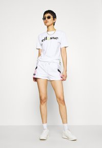 Ellesse - POSCURO - Shorts - white - 1