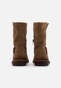 Felmini Wide Fit - GREDO - Cowboy/biker ankle boot - marvin stone - 3