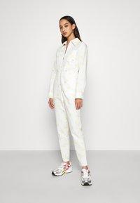 Never Fully Dressed - DAISY PRINT - Combinaison - cream - 0