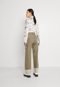 Levi's® Made & Crafted - LONG COLUMN - Relaxed fit jeans - light moss - 2