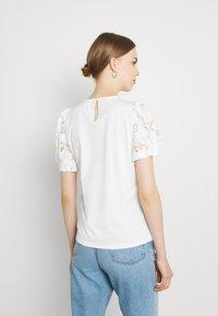 Vila - VIABRO - Basic T-shirt - cloud dancer - 0