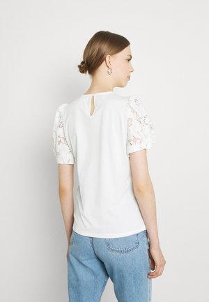 VIABRO - Basic T-shirt - cloud dancer