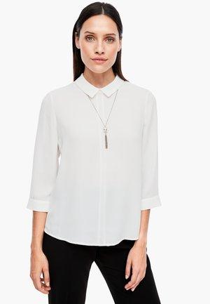 MIT BUBIKRAGEN - Blouse - soft white