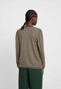 Soyaconcept - FELICITY - T-shirt à manches longues - golden brown combi - 2