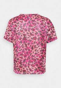 adidas Performance - PRIMEBLUE TEE - T-shirt con stampa - light pink - 6