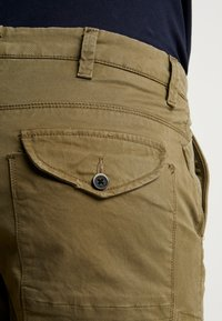 Dstrezzed - COMBAT PANTS  - Pantaloni cargo - army green - 3