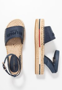 Tommy Hilfiger - TROPICAL FADE OPENED - Alpargatas - sport navy - 3