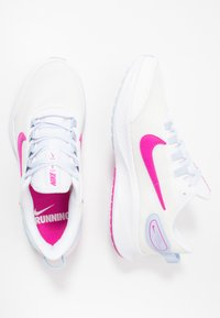 Nike Performance - RUNALLDAY 2 - Zapatillas de running neutras - summit white/fire pink/hydrogen blue - 1