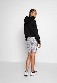 adidas Originals - CYCLING SHORTS - Shorts - black/white - 2