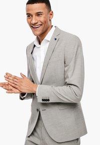s.Oliver BLACK LABEL - MIT WEBSTRUKTUR - Blazer jacket - beige - 4