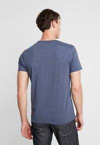 IZOD - T-shirts print - anchor navy - 2