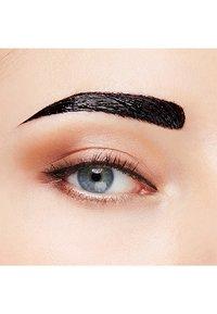 Maybelline New York - BROW TATTOO GEL TINT - Eyebrow gel - 02 medium - 3