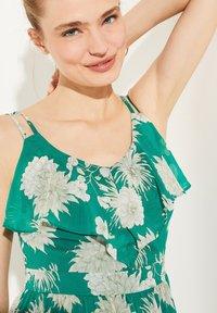 comma - Maxi dress - green big flowers - 3