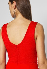 WAL G. - LAYERED MIDI DRESS - Cocktailkjole - red - 3