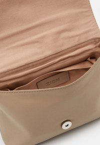 Zign - LEATHER - Across body bag - beige - 3
