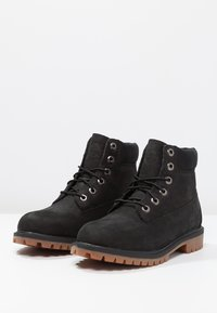 Timberland - ICONIC CLASSICS 6 INCH PREMIUM WP BOOT - Lace-up ankle boots - black - 2