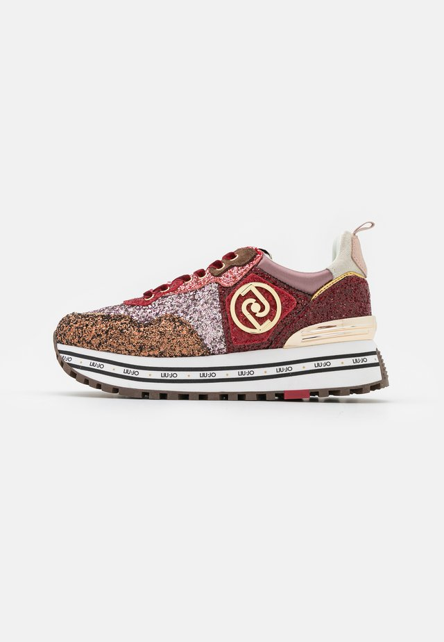 MAXI  - Sneakers laag - brown/red