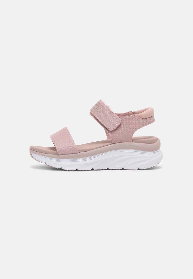 D'LUX WALKER - Sandały na platformie - blush