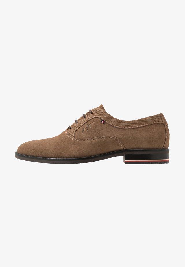 SIGNATURE OXFORD - Elegantní šněrovací boty - khaki
