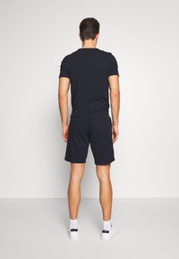 Tommy Hilfiger - BROOKLYN SHORT LIGHT TWILL - Shorts - blue - 2