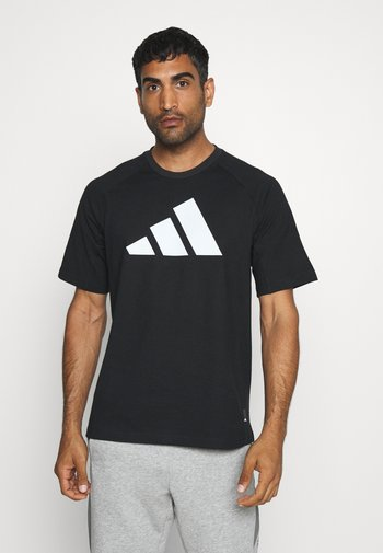 MUST HAVE ATHLETICS SHORT SLEEVE TEE