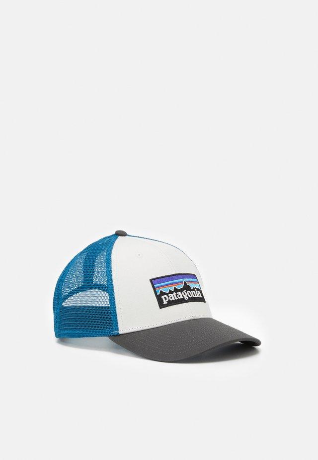 LOGO LOPRO TRUCKER HAT - Cappellino - white/forge grey