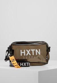 HXTN Supply - PRIME OPERATOR - Bandolera - optic black - 0