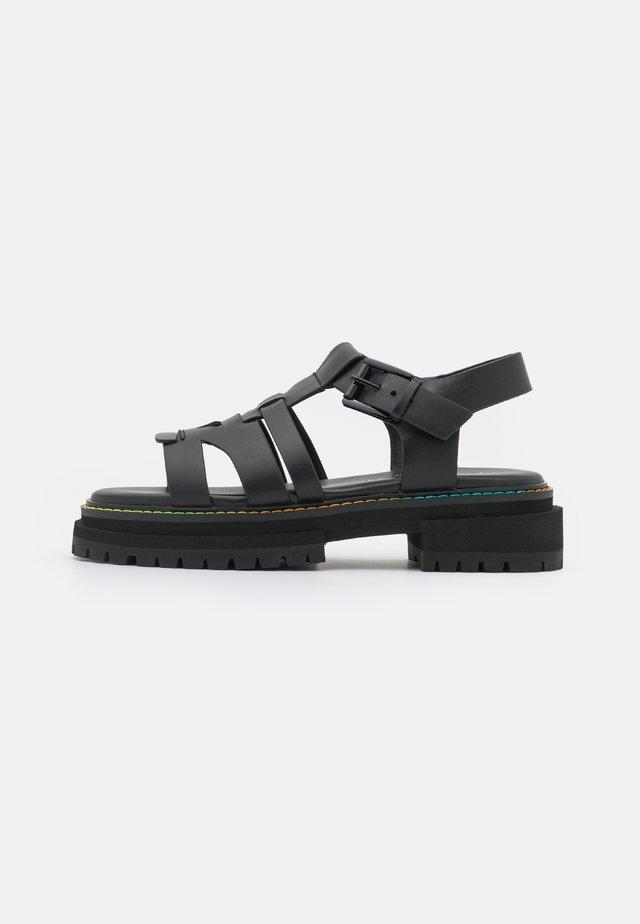 BIRDIE  - Sandály na platformě - black