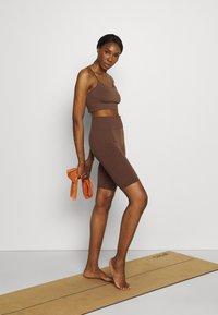 ARKET - Legging - brown - 1