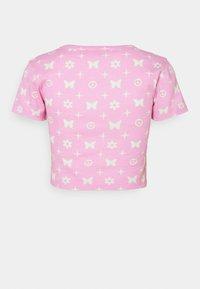 NEW girl ORDER - BUTTERFLY MONOGRAM  - Print T-shirt - pink - 1