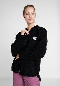 Eivy - REDWOOD SHERPA JACKET - Fleece jacket - black - 0