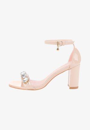 MACIOLLA  - Sandály na vysokém podpatku - pink