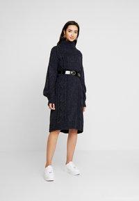 Monki - VALDA DRESS - Strikket kjole - blue dark - 1