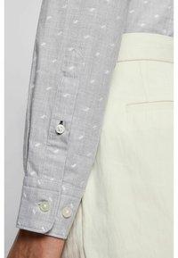 BOSS - Shirt - silver - 4