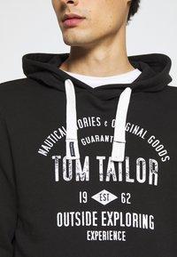 TOM TAILOR - HOODIE WITH PRINT - Hoodie - black - 6