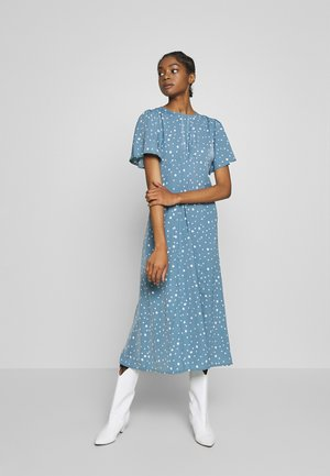 FLUTTER MIDI DRESS POLKA - Robe d'été - blue