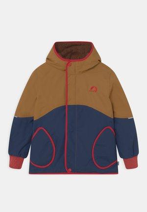 NALLE MUKKA UNISEX - Outdoorová bunda - cinnamon/red