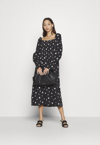 Never Fully Dressed - CROSS EMBROIDERED MIDI - Denní šaty - black - 3